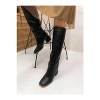 Siyah Orta Boy Deri Topuklu Çizme